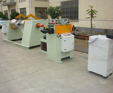 上海自动送料机